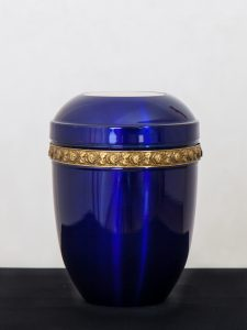 U20 Stahl, blau mit Rosenbordüre