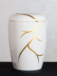 U23 Keramik, mit Goldranke